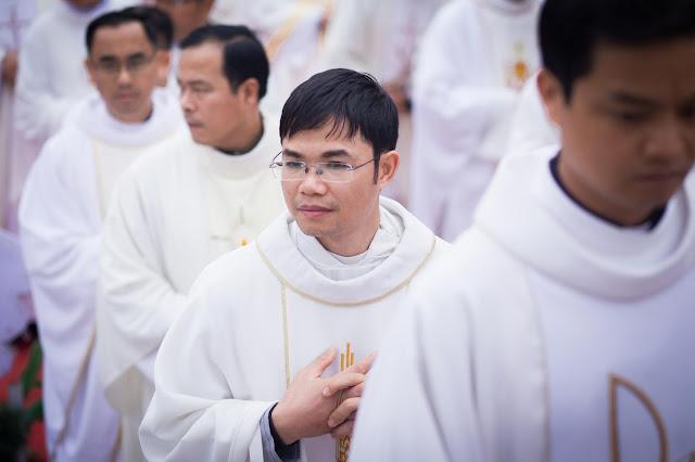 Lễ truyền chức Phó tế và Linh mục tại Giáo phận Lạng Sơn Cao Bằng 27.12.2017 - Ảnh minh hoạ 96