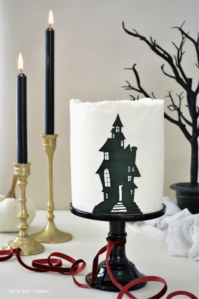Haunted House Cake, Halloween Cake, Black and White Cake, Cake Decorating, Cake, Halloween Desserts