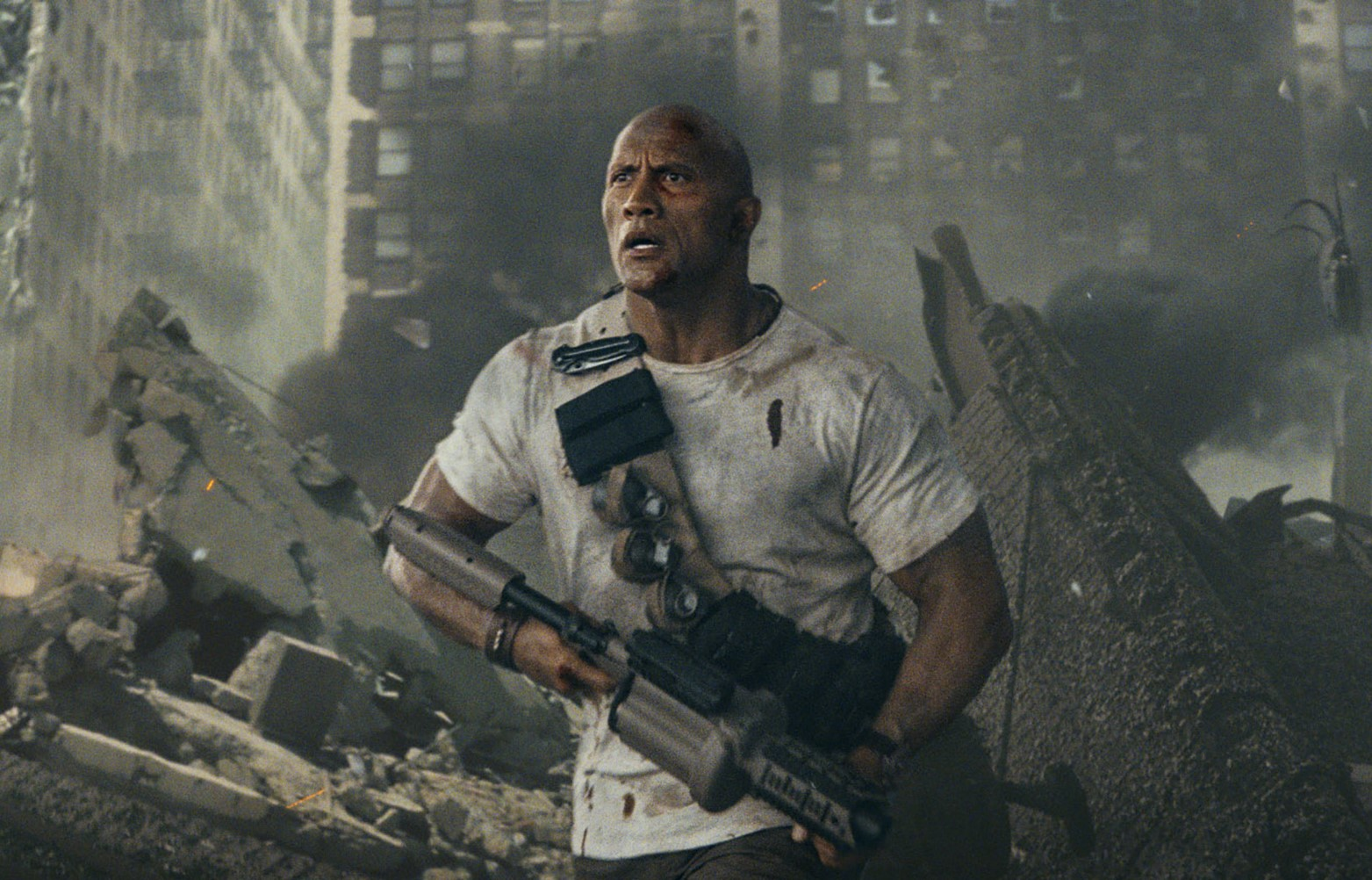 Dwayne Johnson enfrenta animais gigantes no 1º trailer de