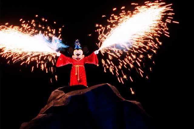 Show Fantasmic Mickey