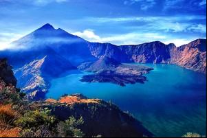 Wisata Lombok Yang Akan Membuatmu Ketagihan 08 Danau Segara Anak