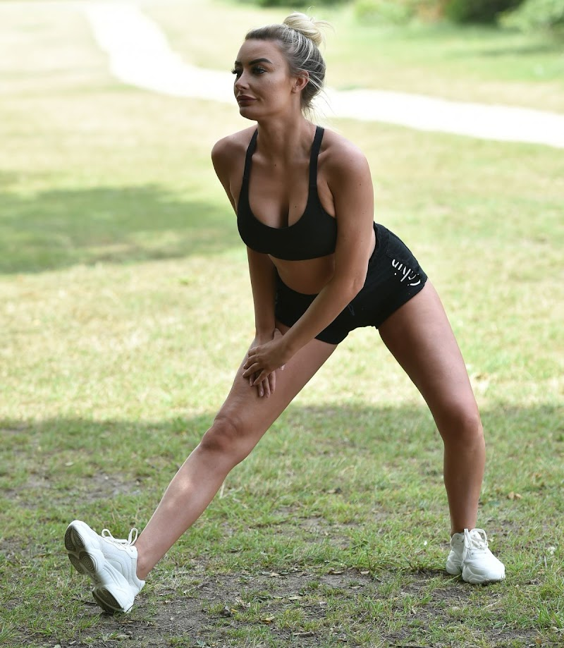 Chloe Crowhurst Workout at a Park in Chigwell 22 Aug -2020