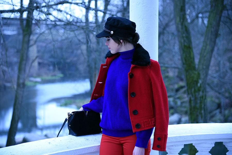 красные штаны, красные брюки, красная куртка