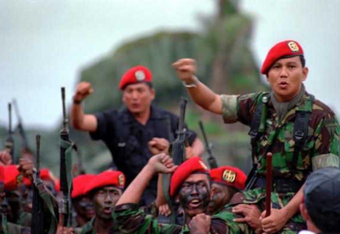 Kisah Sajadah Pemberian Wismoyo Arismunandar ke Prabowo Sebelum Bertempur di Palagan Timor