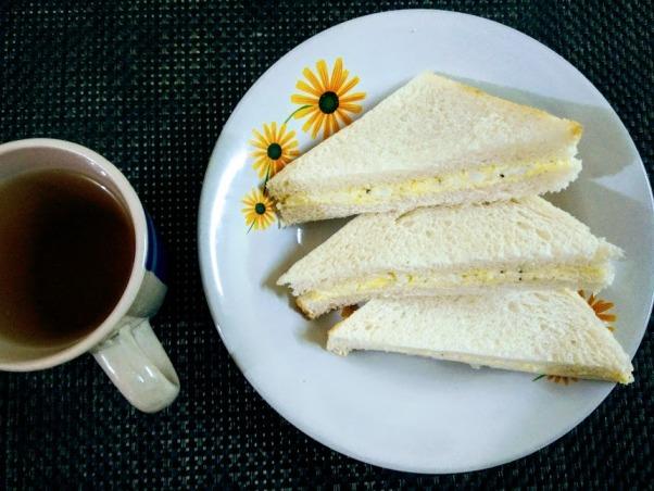 Sandwich telur yang sangat mudah