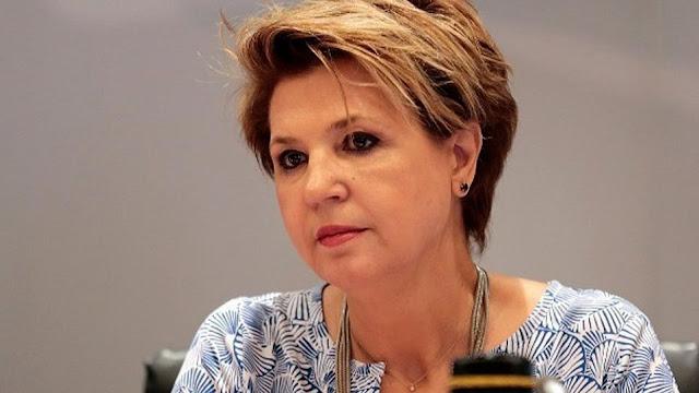 Όλγα Γεροβασίλη: Τι ακριβώς κρύβεται πίσω από τη ματαίωση του διαγωνισμού για τις νέες ταυτότητες;