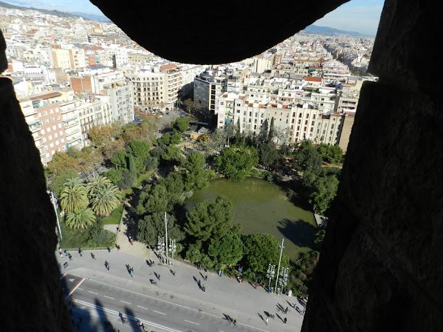 Praças para curtir Barcelona - Plaça de Gaudì