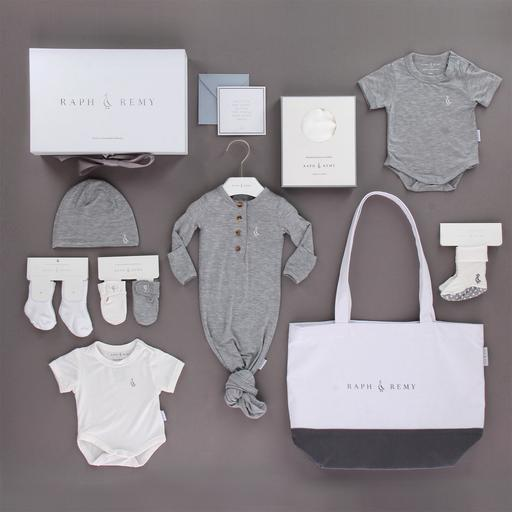 Personalised Your Baby Gifts at RAPH&REMY™, RAPH&REMY™ products, personalized baby product, eco-friendly personalized baby product, baby gift set,