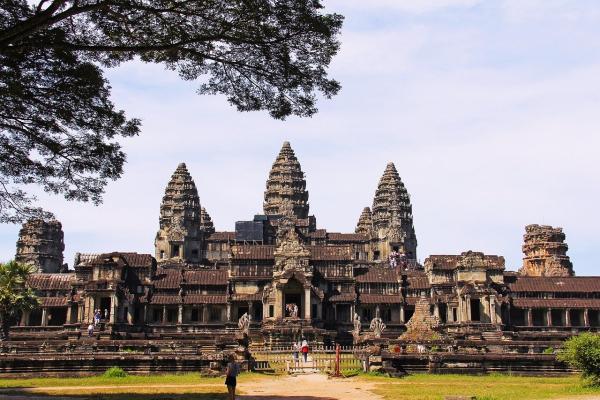 कंबोडिया देश, जहाँ पर है दुनिया का सबसे बड़ा हिन्दू मंदिर | कम्बोडिया देश के बारे में 16 रोचक तथ्य | Cambodia facts in Hindi