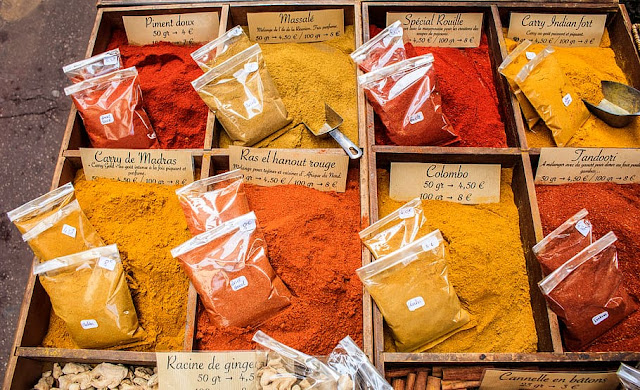 chili-collection-colors-curry.jpg