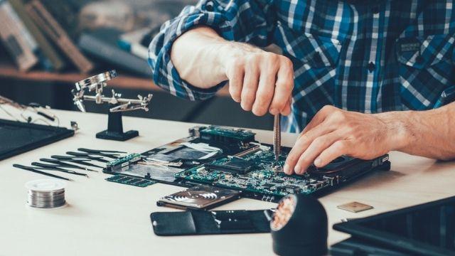كورس صيانة أجهزة الكومبيوتر وفق منهاج +A