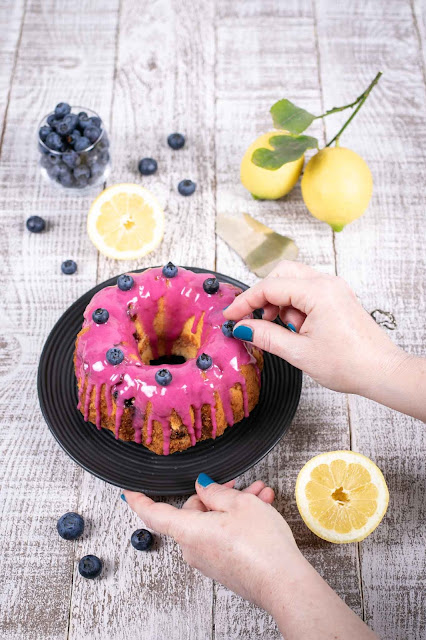 Bundt cake ai mirtilli e limone