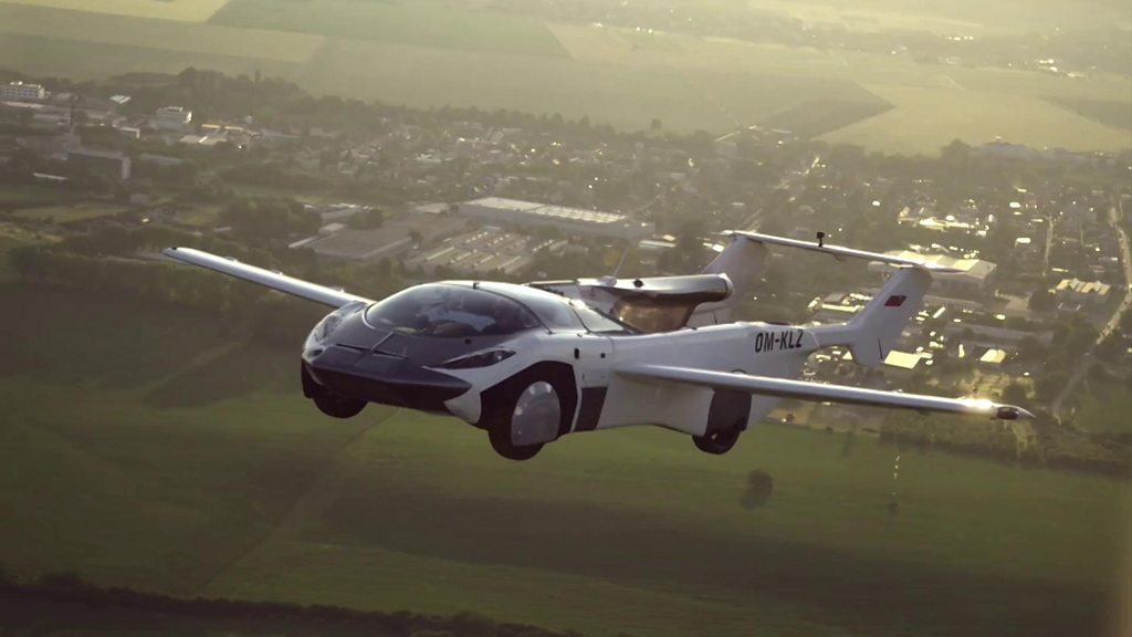 Carro voador completa teste com voo entre dois aeroportos na Eslováquia