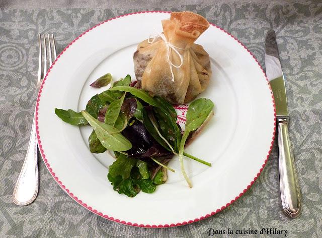 Aumônières au confit de canard, foie gras et rhubarbe