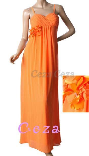 511b8bf46616 Vi har kjoler i alle størrelser. Bare kom på besøk og ta en titt på våre  selskapskjoler