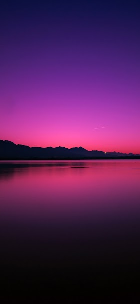 Twilight over lake wallpaper