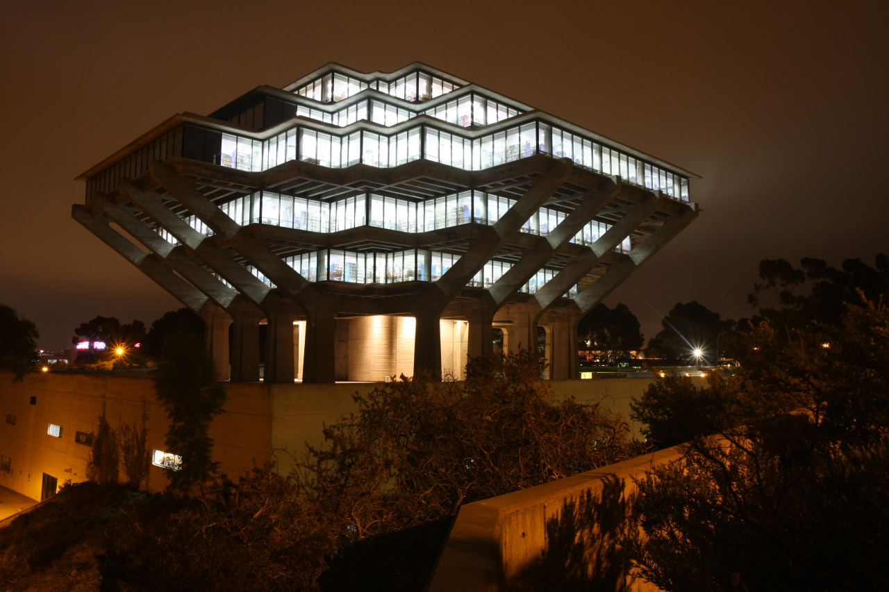 Image of the Geisel Library at UCSD San Diego