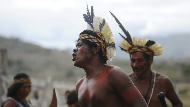 """Una """"sentencia histórica"""" prohíbe a misioneros evangélicos entrar en el territorio de las tribus indígenas de Brasil"""