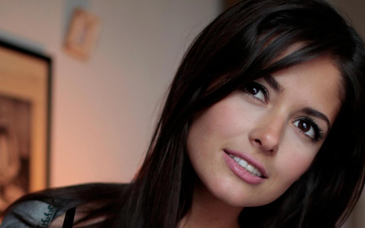 Celebrity Pics Carla Ossa