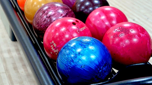 Bowling Ball, Bowling Time