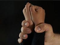 Bejat! Seorang Gadis Diperkosa Ayah, Kakak dan Adik Kandung