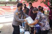 Sambut HUT RI ke-75, Polda Nusa Tenggara Barat dan Komunitas DCIC NTB Gelar Baksos