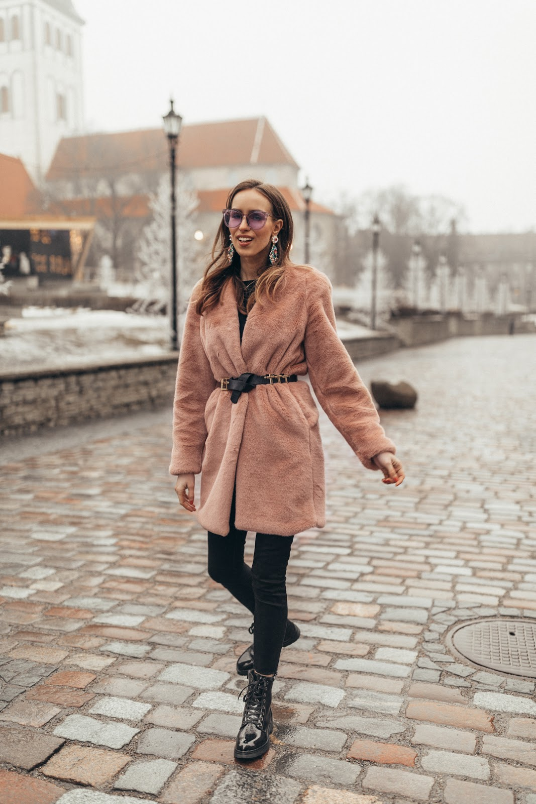 pink faux fur coat outfit