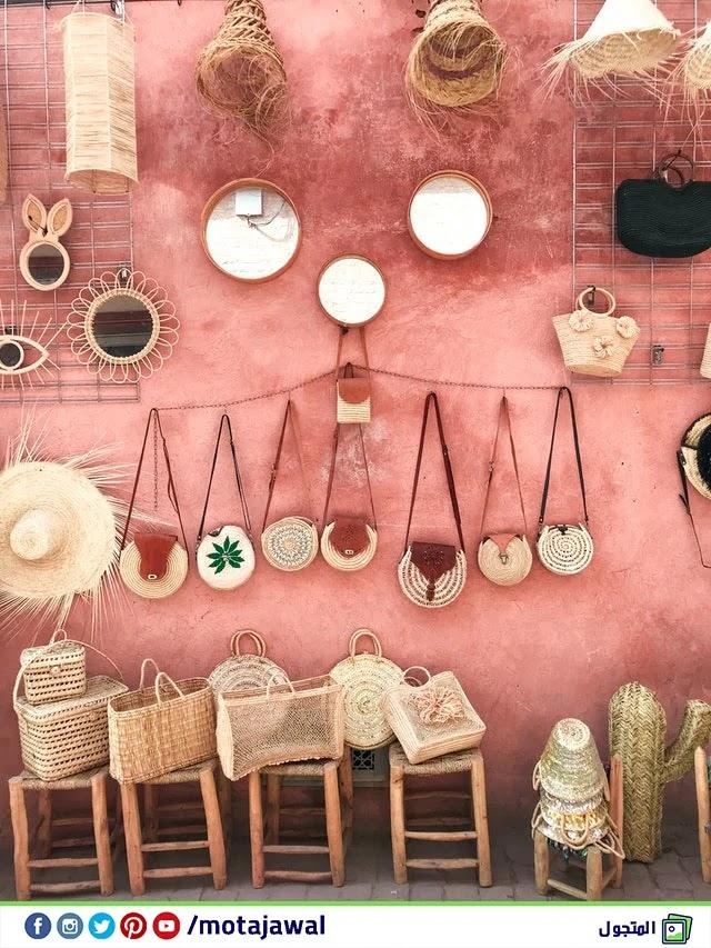 شراء الحرف اليدوية المحلية والفنون