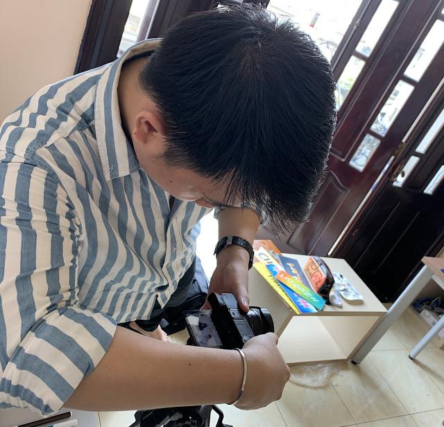 Chụp hình cho khoá học vẽ online