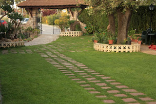 Jardin del hostal rural El Bosc
