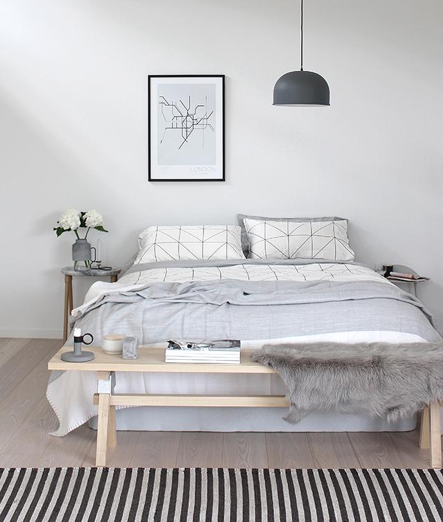 Y mientras no llega la primavera...Dormitorio en tonos grises