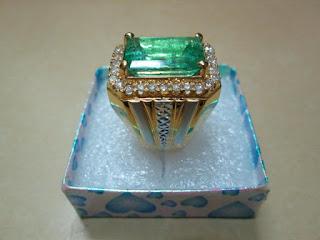 zamrud columbia super ikatan emas berlian