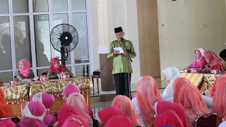"Genius Umar : Melantunkan Kitab "" Berzanji"" Sebagai Benteng Kecintaan Kepada Nabi Muhammad SAW."