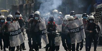 Ketika Polisi Myanmar Tewas, Tidak Ada Satupun Orang Yang Mau Menguburnya!