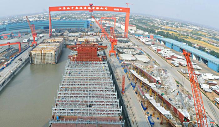 Yangzijiang Shipbuilding obtiene contrato para construir dos portacontenedores de 24.000 teu