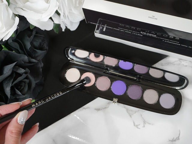 Marc Jacobs Beauty Frivoluxe Eye-Conic Eyeshadow Palette and all over shadow brush