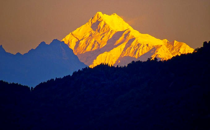 Kunchendzonga in the Morning from Sikkim