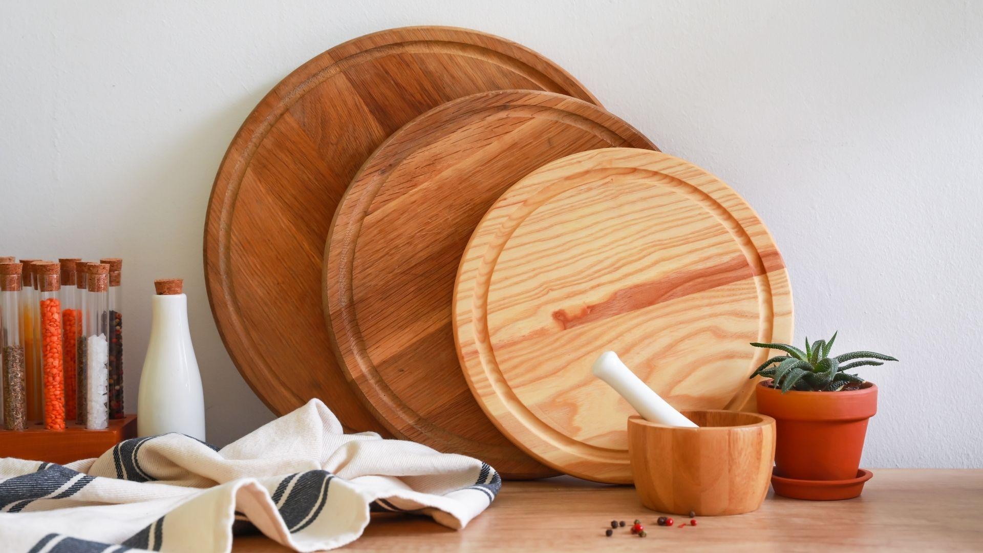 okrągłe deski drewniane do krojenia
