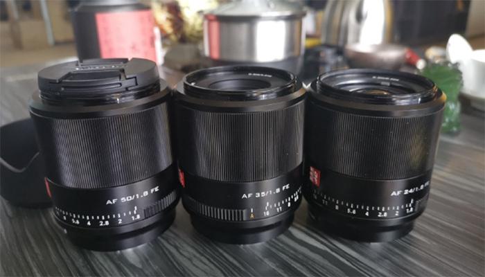 Три автофокусных объектива 24, 35 и 50 мм для камер Sony