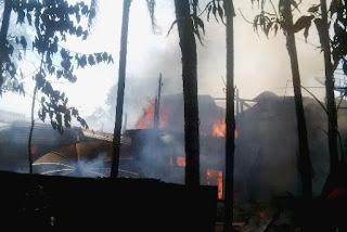 Diduga Arus Pendek, Tiga Rumah di Lembah Sabil Terbakar