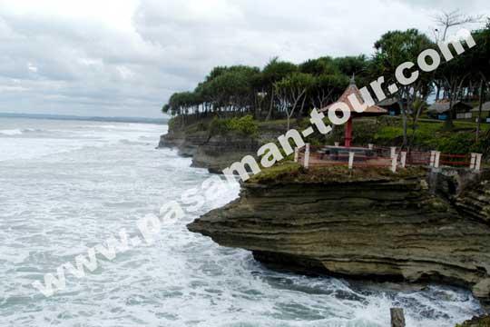 paket wisata pantai sawarna