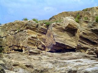 Mengapa Pulau Lombok Sering Gempa?