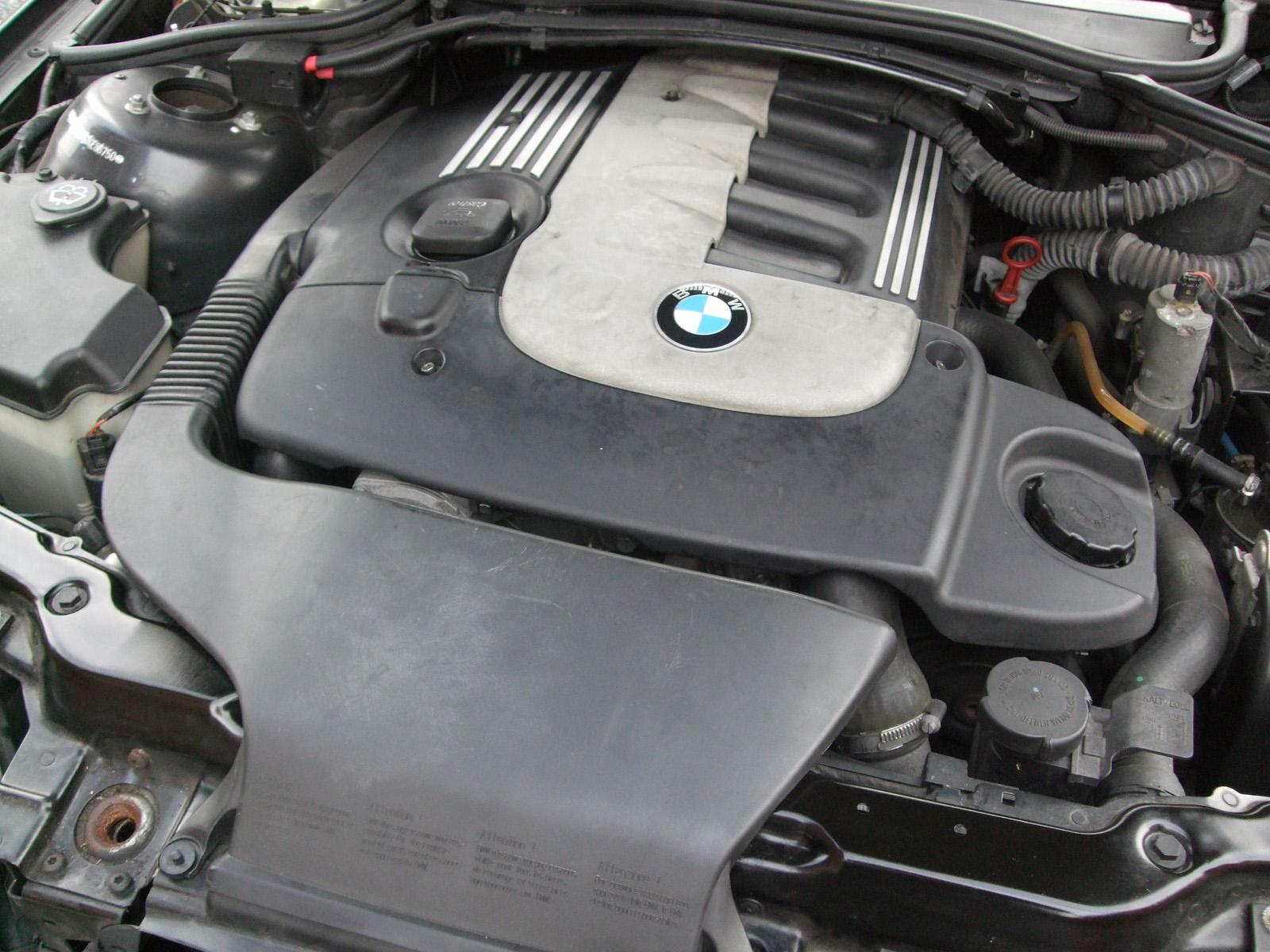 BMW E46 330d engine bay
