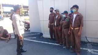 Ajak Patuhi Penerapan Protokol Kesehatan, Unit Binmas Polsek Seota berikan Binluh pada Buruh