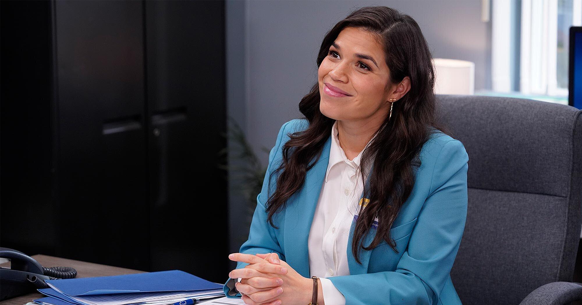Amy en su despacho durante sus últimos episodios de Superstore