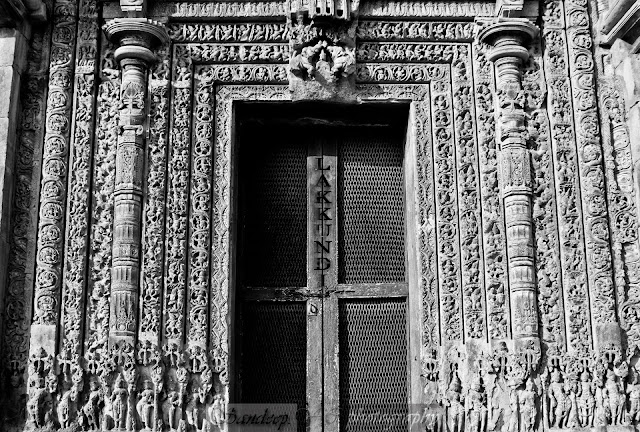 Door Jamb and lintel moldings on southern door of Kashivishwanatha temple