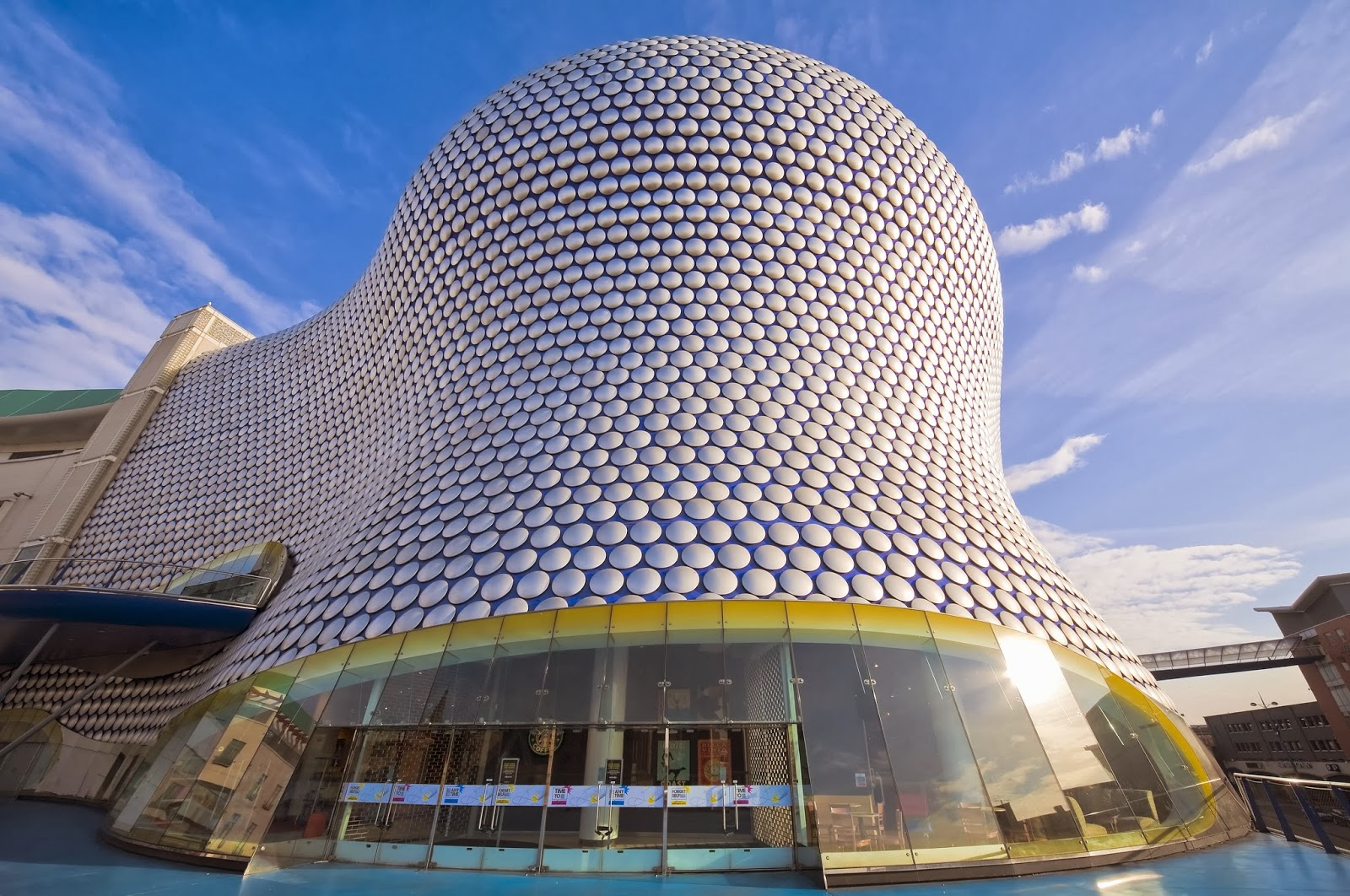Design selfridges building birmingham for Store building design