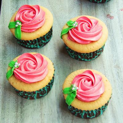 wedding vanilla cupcake, vanilla cupcake, wedding favor, wedding favour, wedding souvenir