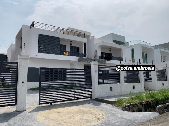 Specious 5 bedroom detached house with a swimming pool etc at Pinnock Beach Estate, Lagos
