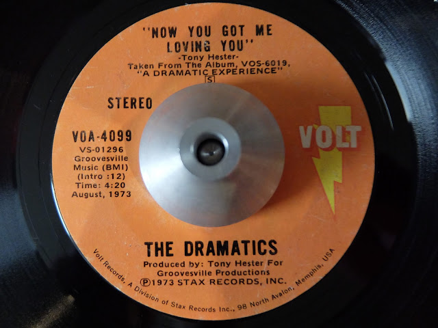 Now you got me loving you / The Dramatics の7インチレコードです。